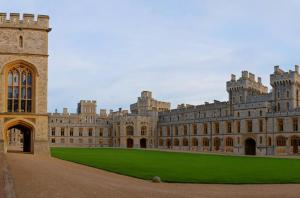Private Chauffeured Vehicle To Windsor Castle From London Tour Packages